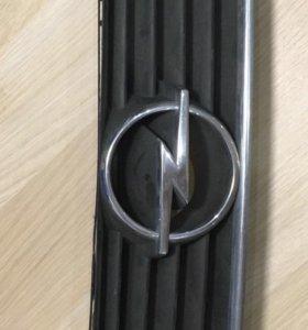 Оригинальная решетка Opel astra G