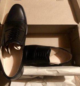 Мужские ботинки новые 43размер