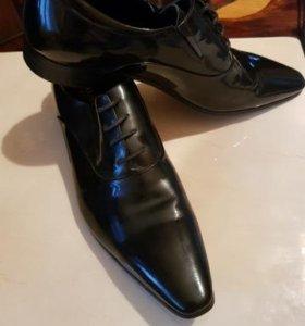 Продаются муж.лаковые туфли