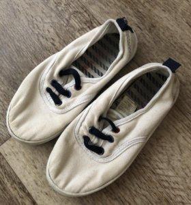 Обувь детская даром