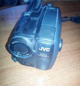 Видео камера JVC
