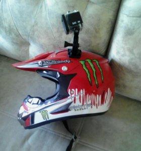 Шлем в комлекте с экшн камерой