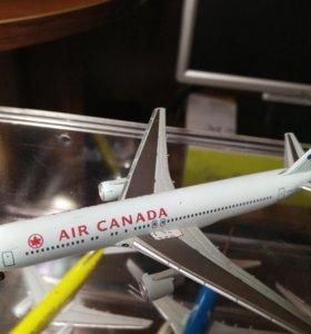 Модель самолета 1:400 Boeing 767-300 Air Canada 70