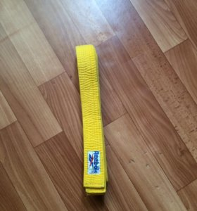 Желтый пояс Reebok