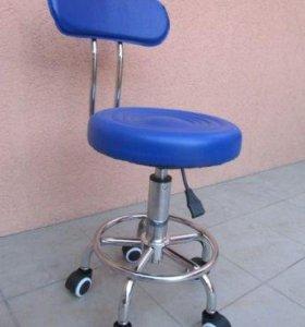 Стул для косметолога со спинкой. Синий