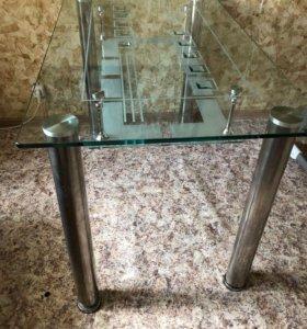 Кухонный стол и стулья в комплекте