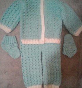 вязаный костюмчик на малыша 3-6 месяцев
