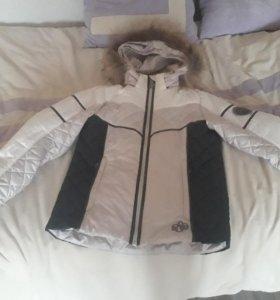Продаю спортивную куртку на девочку