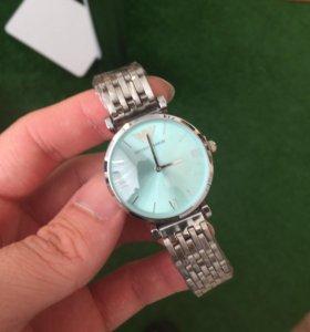 Женские часы EA, новые, в упаковке
