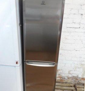 Холодильник Индезит нержавейка.
