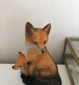 Фигурка Лиса с лисёнком