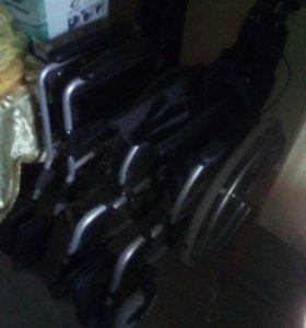 2 инвалидные коляски