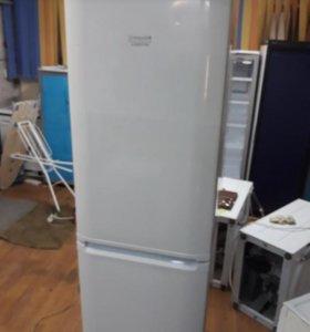 Холодильник Хотпоинт Аристон 2 метра