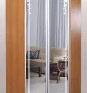 Шкаф угловой зеркальный распашной