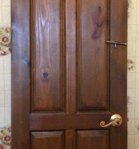 Глухая межкомнатная дверь из массива сосны