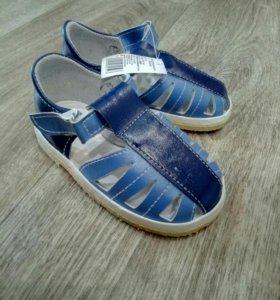 Продам сандалики для мальчика