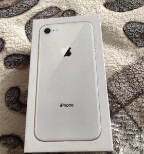 Коробка iPhone 8