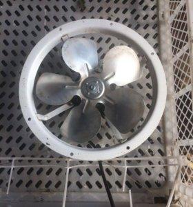 Вентилятор с моторчиком.