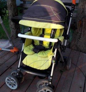 Детская коляска и стульчик