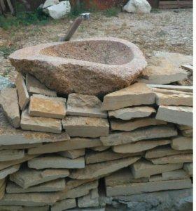 Раковина (умывальник) из дикого камня