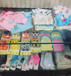 Штанишки,кофточки ,носочки на малышей