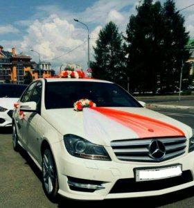 Свадебные украшения на автомобиль