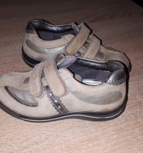 Ботиночки-Кроссовки ecco в идеальном состоянии