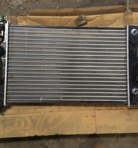 Chevrolet Cruze радиатор дорестайлинг автомат