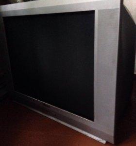 Отдам телевизор с пустячной проломкой