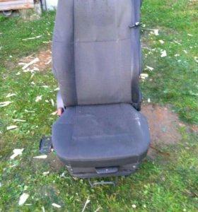Водительское сиденье вольво fh12