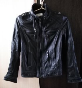 Куртка кож. В отличном состоянии.