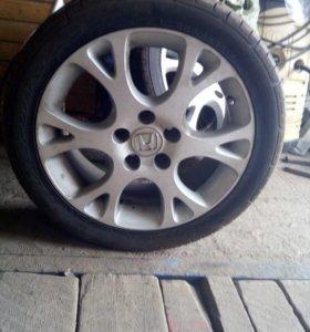 Два колеса на Хонду Аккорд