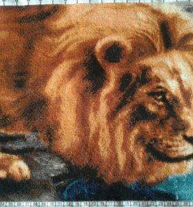 Вышивка лев