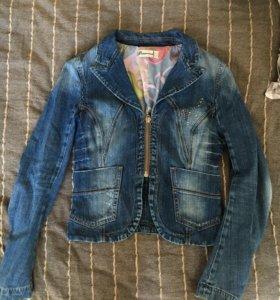 Джинсовая куртка в отличном состоянии