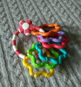Игрушки-цепочки для детей до 1 года