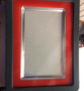 Светодиодный прожектор фирмы Jazzway
