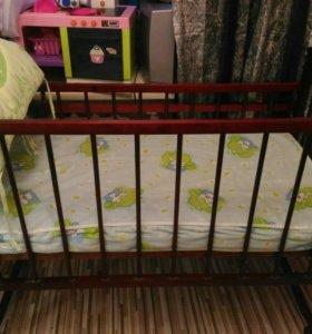 Кроватка детская ,матрас и бортики 3 на кроватку