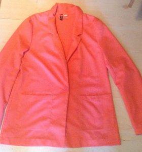 Пиджак кораллового цвета 50-52 разм.