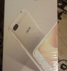 Смартфон ASUS ZenFone 4Max