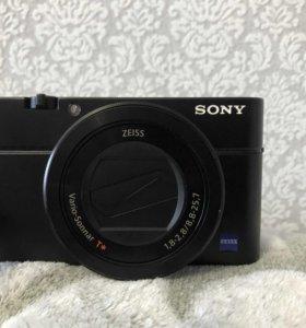 Фотоаппарат компактный премиум Sony DSC-RX100 III