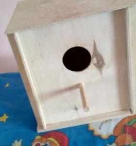 Домик для развидения попугаев