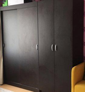 Два шкафа для одежды