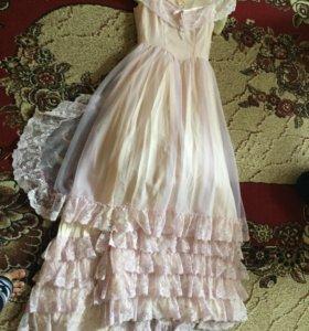 Новое платье покупали дорого