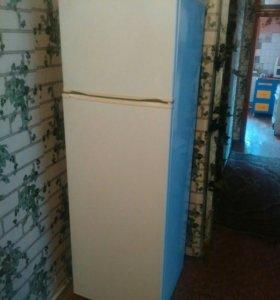 Холодильник атлант 2008г