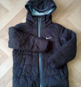 Куртка на мальчика 8-10 лет, утеплённая.
