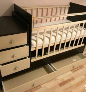 Кровать детская с пеленальным столиком