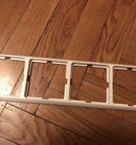 Рамка под четыре розетки и выключателя