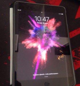 iPad mini 4 wifi 32 gb.