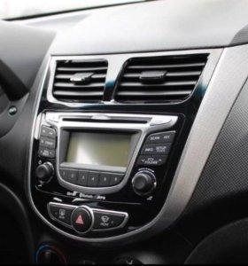 Штатная автомагнитола на Hyundai Solaris