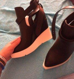 Ботинки летние новые